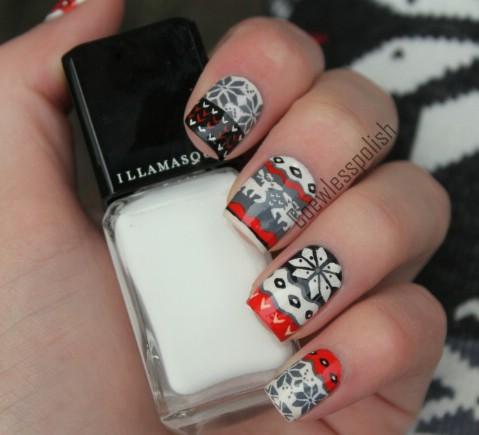 Reindeer legging nail art