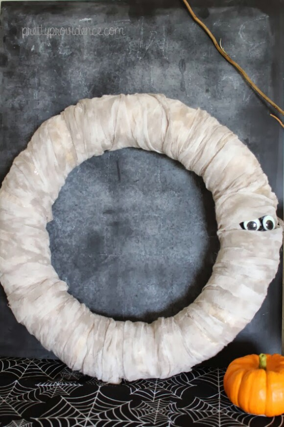26. Mummy Wreath