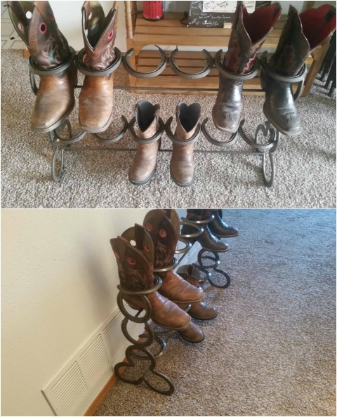 1 Horseshoe boots rack