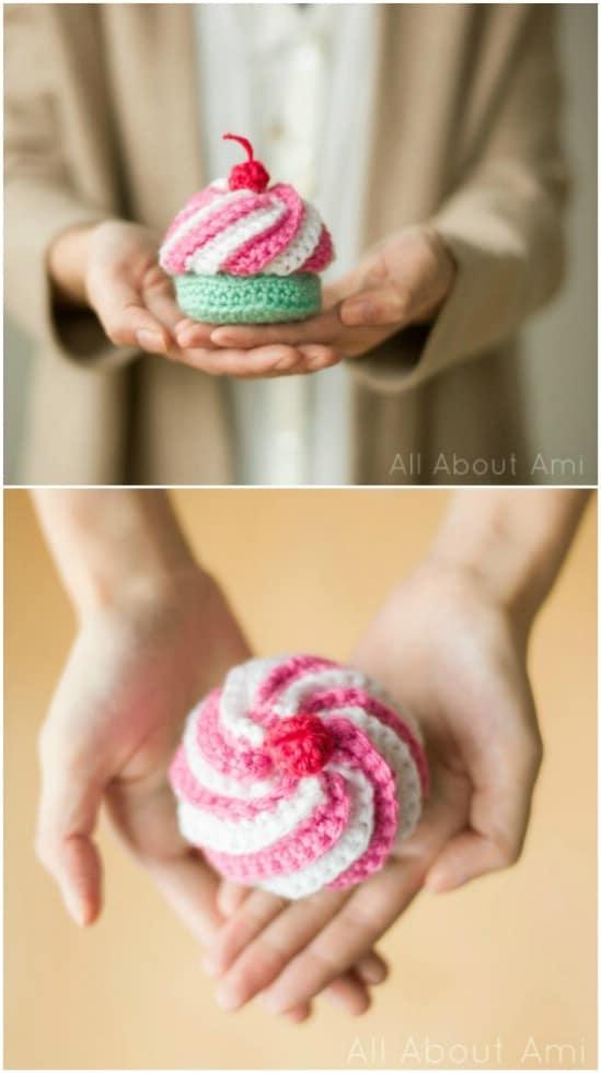 DIY Swirly Crocheted Cupcake