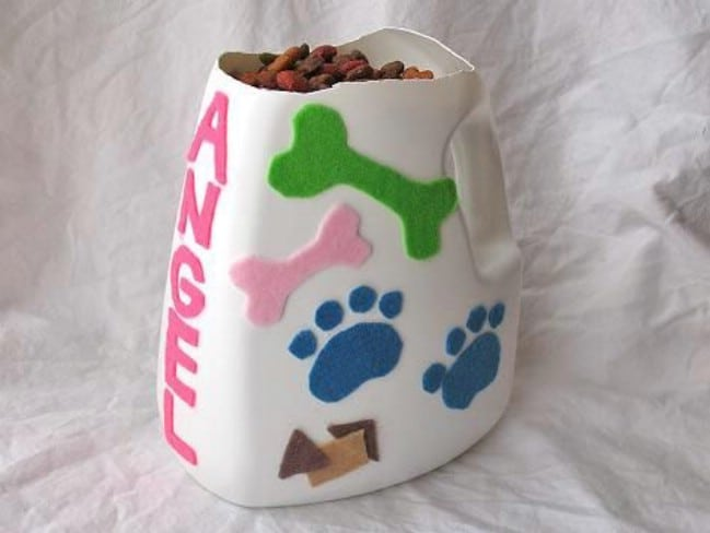 Repurposed Detergent Bottle Pet Food Scoop