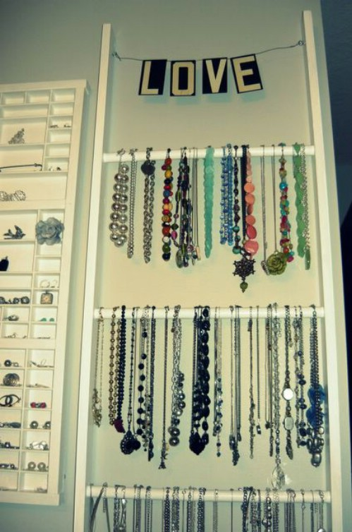 Easy Necklace And Bracelet Storage