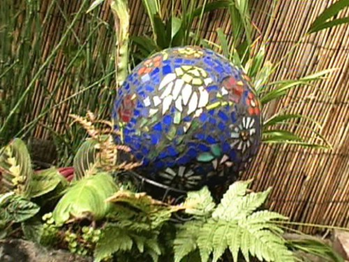 DIY Mosaic Garden Gazing Ball