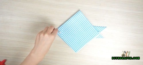 Fish Napkin - 5 Creative and Mind-Blowing Napkin-Folding Tricks in Under 4 Minutes