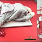 "How to Make a Cute ""Sleeping Baby"" Out of Diapers – Baby Shower Gift Idea"