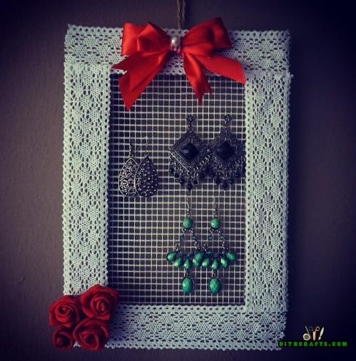 How to Make a Decorative Hanging DIY Jewelry Organizer