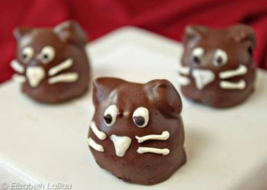 Adorable DIY Black Cat Truffles