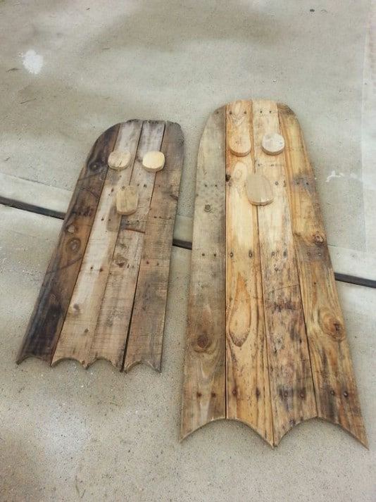 Upcycled Pallet Ghosts - 25 Fantastic Reclaimed Wood Halloween Decorations For Your Home And Garden