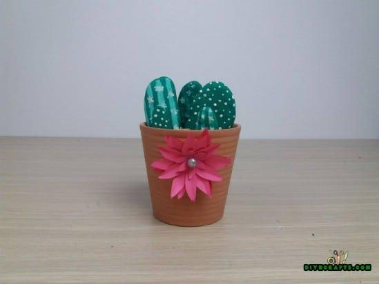 Cactus - 5 Cute Craft Ideas Using Garden Stones in Under 5 Minutes