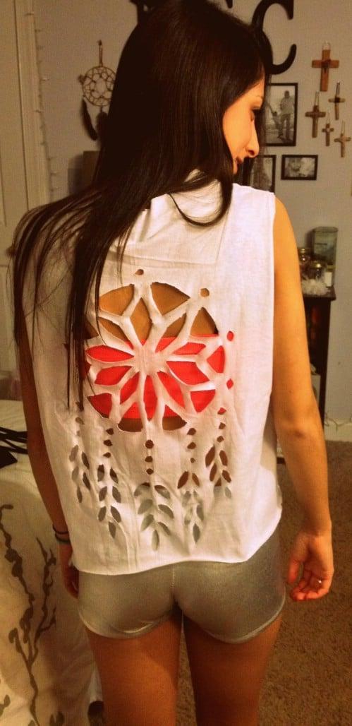Cut T-Shirt Sleeve Designs | 68 Fun And Flirty Ways To Refashion Your T Shirts Diy Crafts