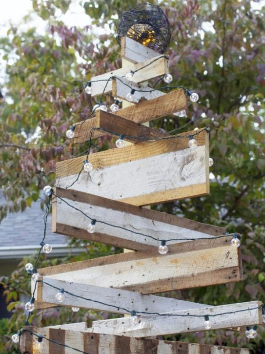 Reclaimed Wood Outdoor Christmas Tree