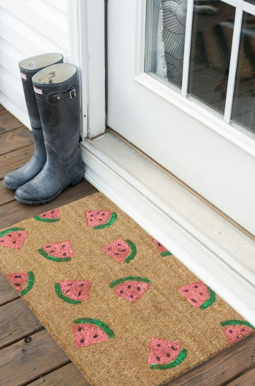 14 DIY Welcome Mats That Will Jazz Up Your Front Porch