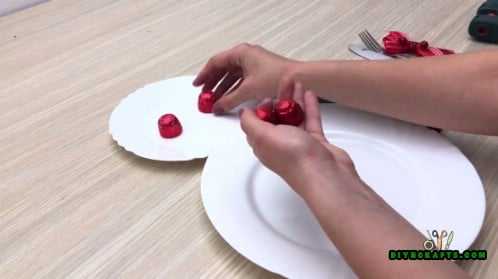Plate Snowman Place Setting - 5 Creative Snowman Crafts You Can DO In Under Three Minutes
