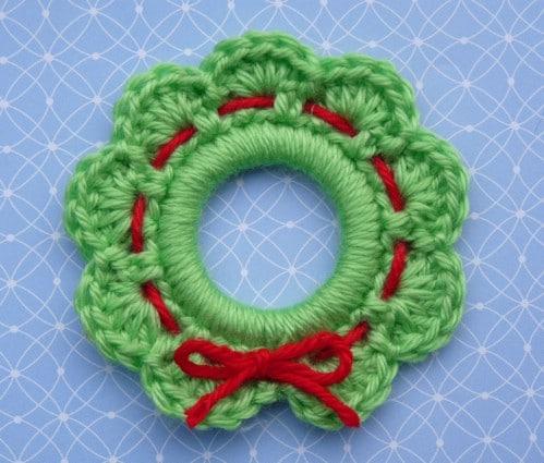 Tiny Crochet Christmas Wreath