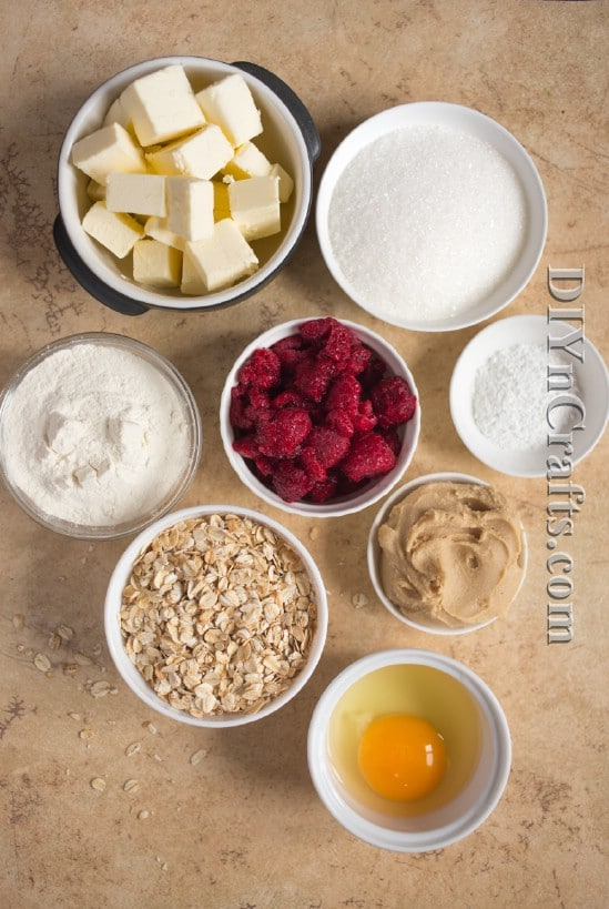 Starting with fresh ingredients gives you a tasty and healthy snack bar