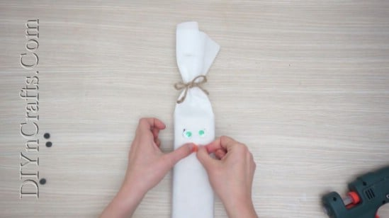 Snowman Gift Wrap - 5 Brilliantly Creative DIY Gift Wrapping Ideas for Christmas