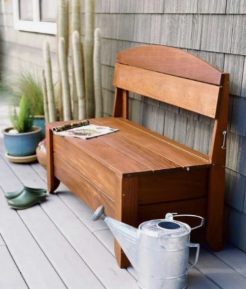 Easy DIY Garden Hose Storage Bench