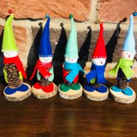 Felt and pine cone elves