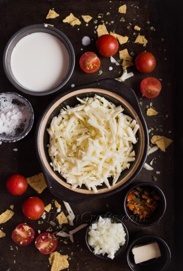 Queso dip recipe ingredients.