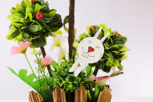 How to Make a Cute Easter Bunny Out of a Clothespin