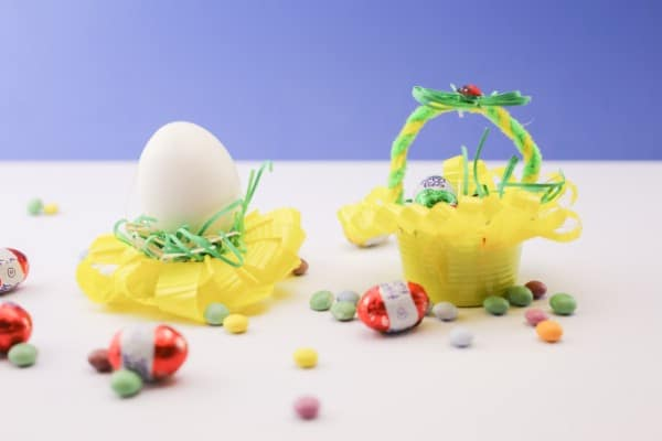 How to Make a Beautiful Little Easter Basket Out of a Plastic Cup